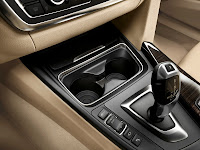 2013 BMW 3-Series (F30) Interior Detail Centre Console