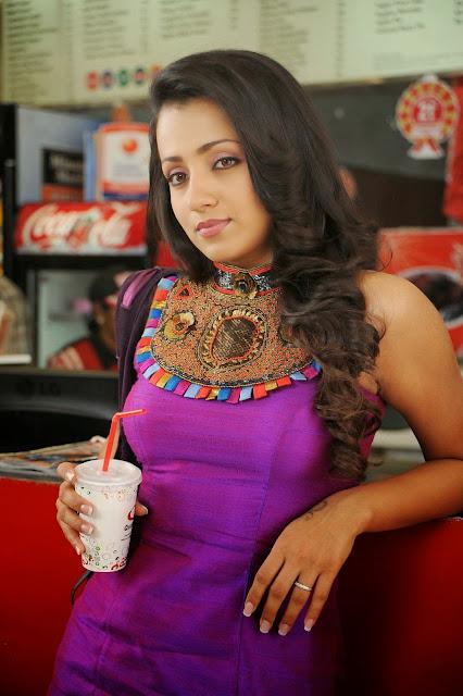 Trisha Krishnan Hot Photos Wallpapers