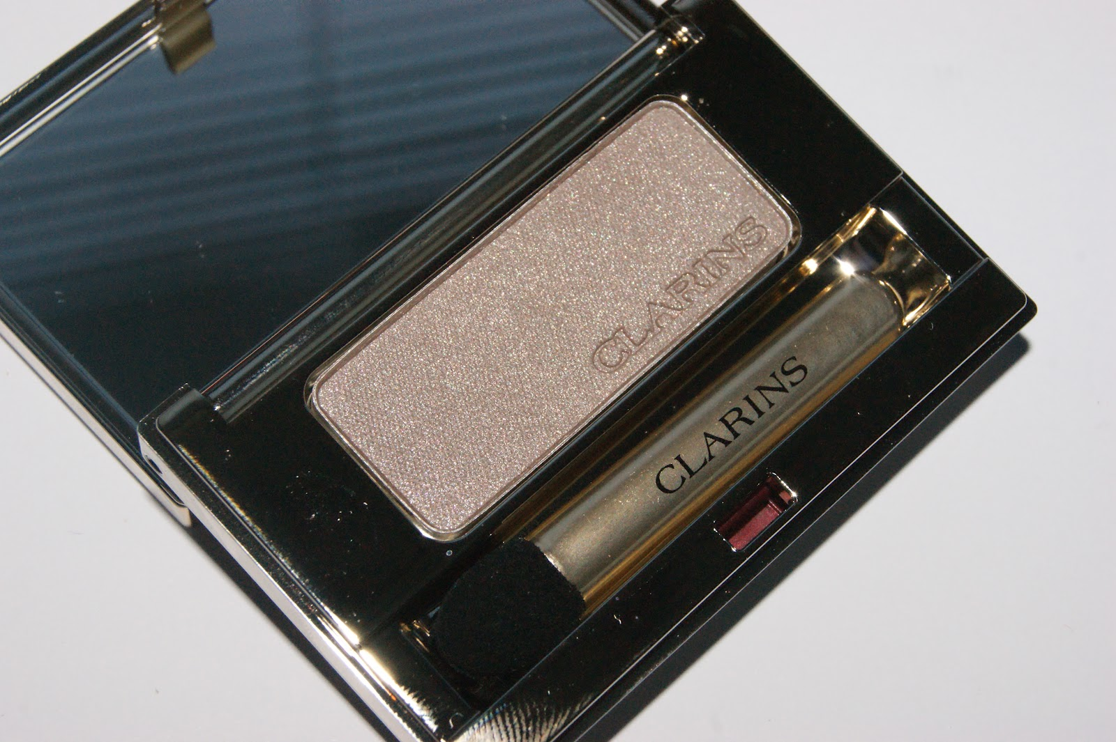 8624574d8ab Clarins Ombre Minerale Eye Shadow in Taupe - Review | The Sunday Girl