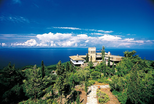 The best Historical villa in Greece for rent – a proud member of the Historic Hotels