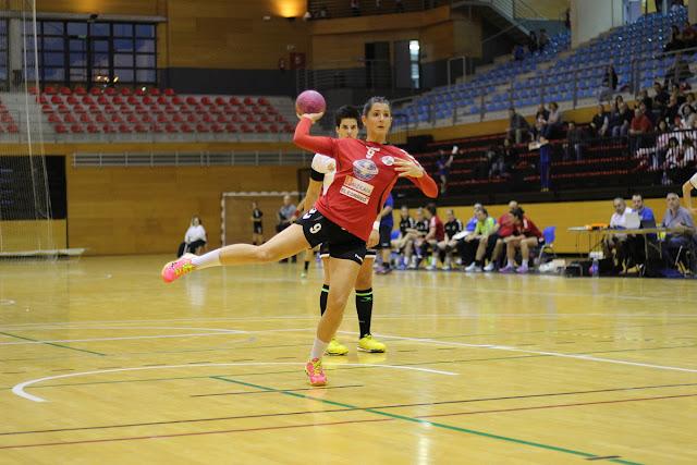 Balonmano | La zuazotarra Oihane Gil elegida por los aficionados mejor jugadora de la jornada 15