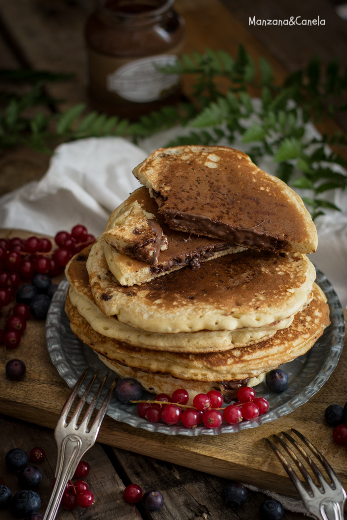 Tortitas rellenas de crema de chocolate y avellanas