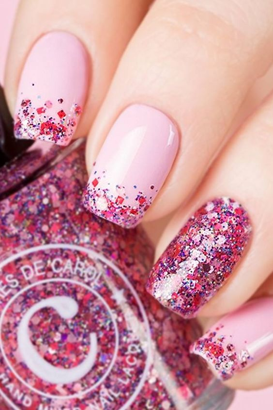Highlight Your Bright Summer Look with These Pretty Pink Nails