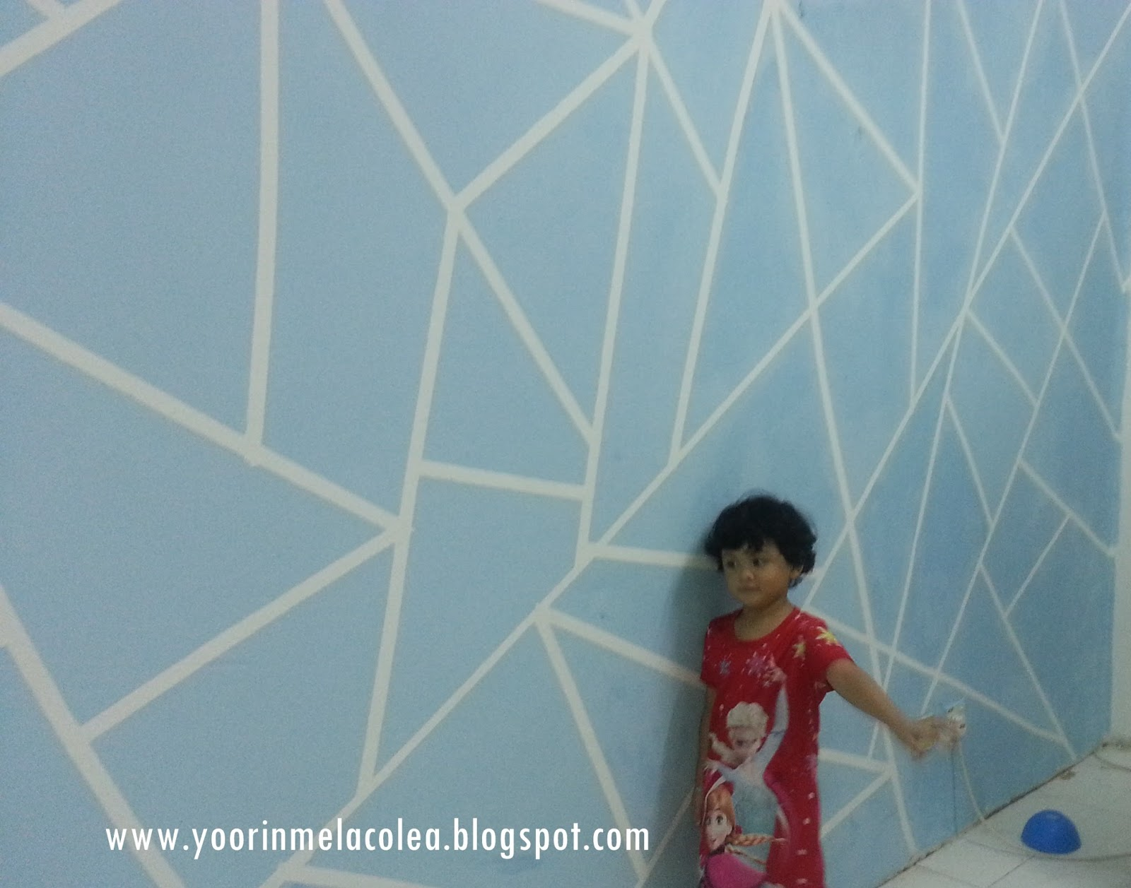 Mommy Yoorin Terjebak Dengan Deco Cat Dinding Geometri