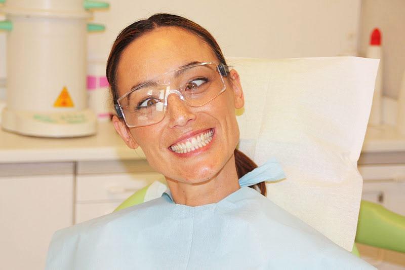 Porquenosotraslovalemosblog Blanqueamiento Dental En La Clinica Rosales