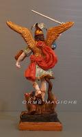 statuetta san michele arcangelo personalizzata artista scultore statuine personaggi storici orme magiche