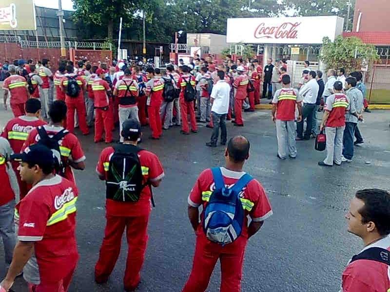 40d819d31 Parte dos trabalhadores da unidade da Coca-Cola em Prazeres