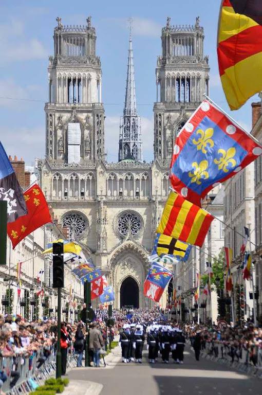 Orleans comemorou o 600º aniversário da nascença de Santa Joana d'Arc