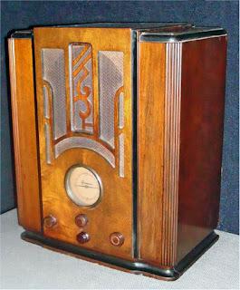 Uno de los primeros radios en casa