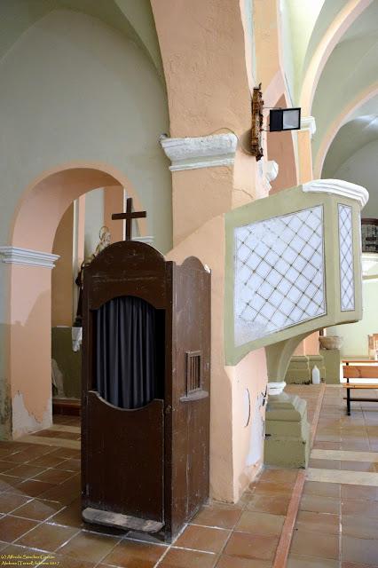 alobras-teruel-iglesia-parroquial-confesonario