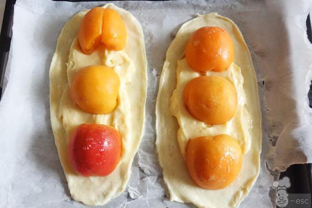 Mini tarta de fruta con albaricoques | Postre fácil con hojaldre