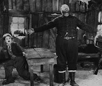 """Чарли Чаплин и Мак Суэйн в фильме """"Золотая лихорадка"""" (1925) - 6"""