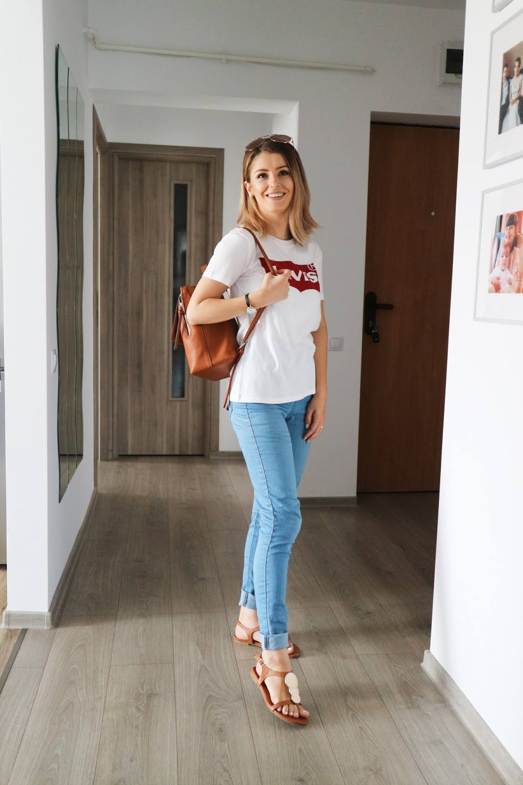 basic logo tee outfit with jeans