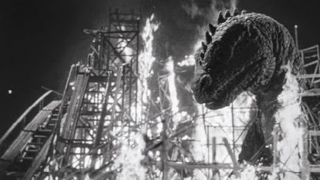 Beast from 20,000 fathoms attacks coney island and is nearly set on fire.