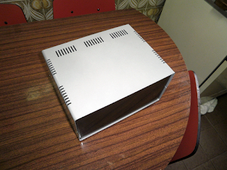 Caixa KEL CVR1427. Esta é a caixa recomendada para o projecto.