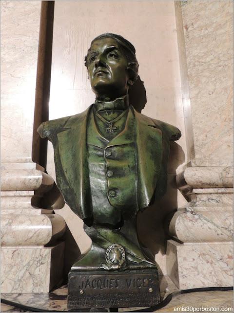 Ayuntamiento de Montreal: Escultura del Primer Alcalde