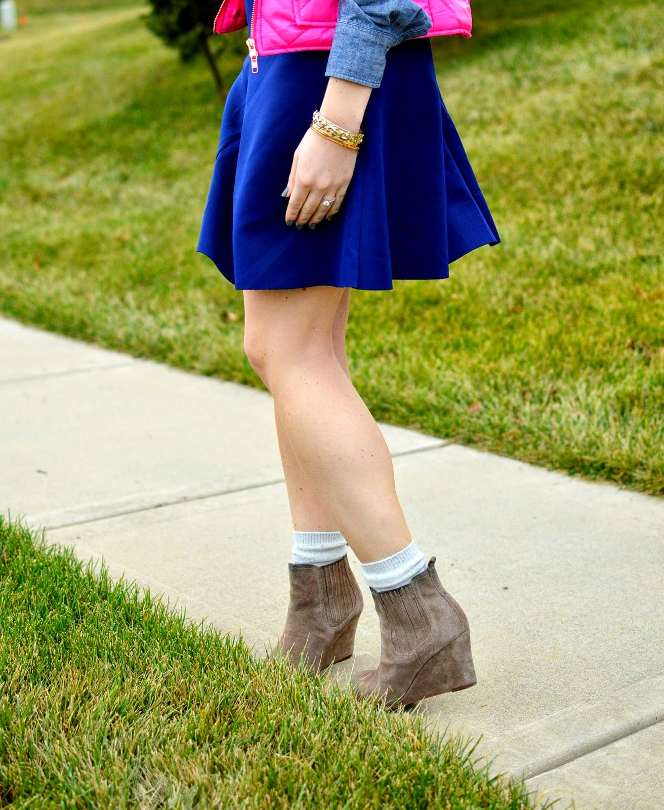 navy skirt with booties from www.amemoryofus.com