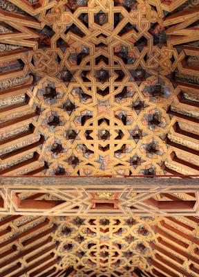 Artesonado de la sala de los Caballeros en la Madraza de Granada