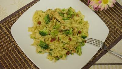 Makaron z brokułem