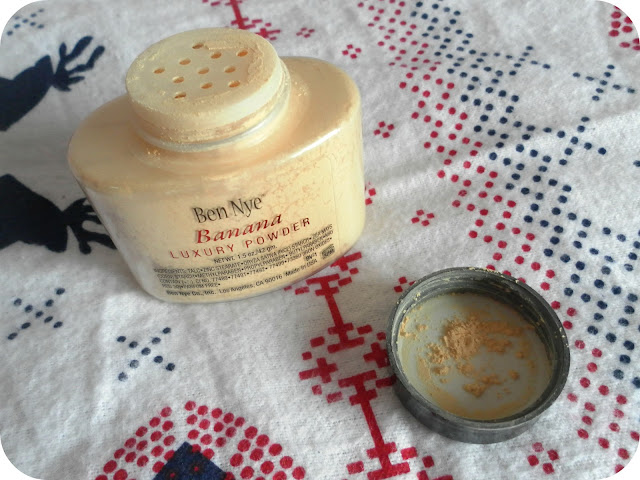 A picture of Ben Nye Luxury Banana Powder