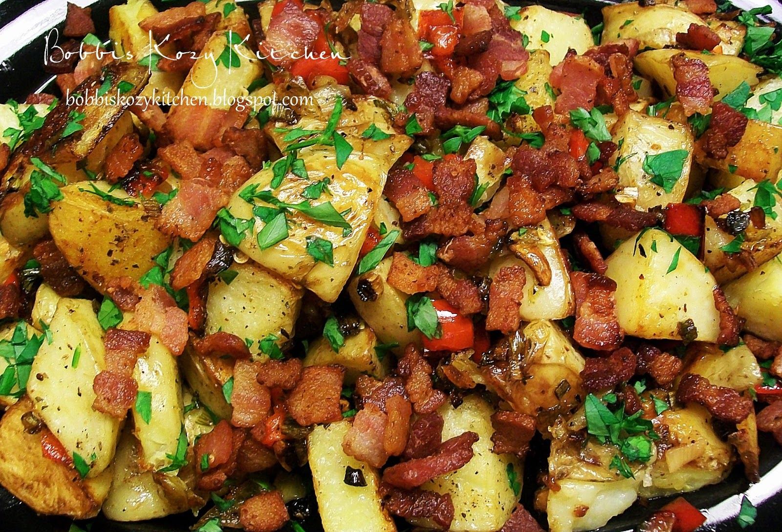 Roasted Potatoes With Red Peppers Garlic And Bacon Bobbi S Kozy