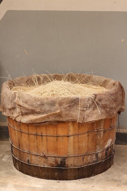 Misoa dalam ember kayu