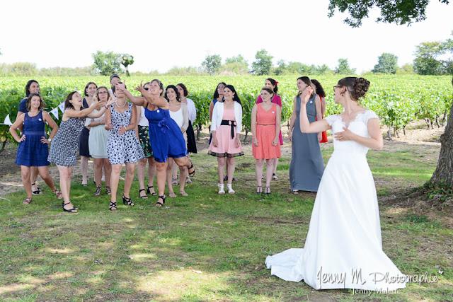 lancé du bouquet de la mariée, mariage au jardin cléray, vallet