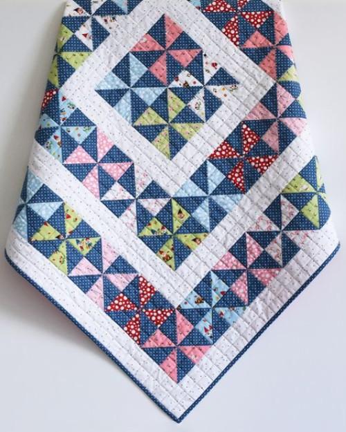 Pinwheel Baby Quilt - Free Pattern
