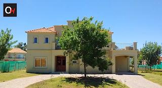 Instalación de aberturas de PVC en Haras Santa María de Casas