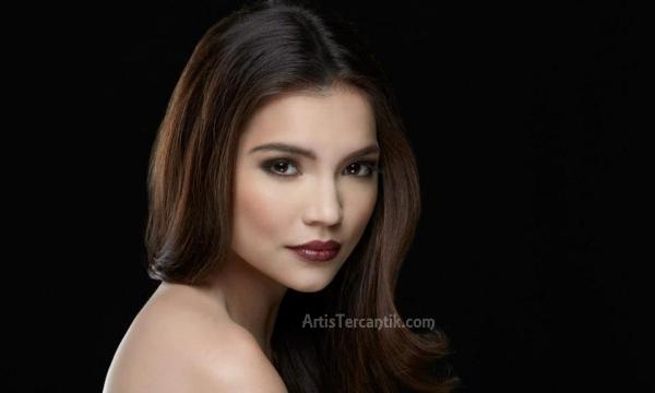 Artis Filipina Tercantik Rhian Remos