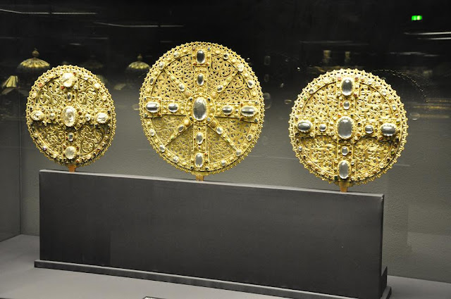 krzyże solarne ze skarbca katedry w Hildesheim