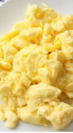 How To Make Perfect, Fluffy Scrambled Eggs