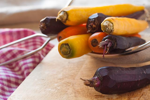 Oguljene šarene šargarepe