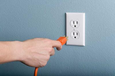 Instalaciones eléctricas residenciales - Desconectando de la clavija