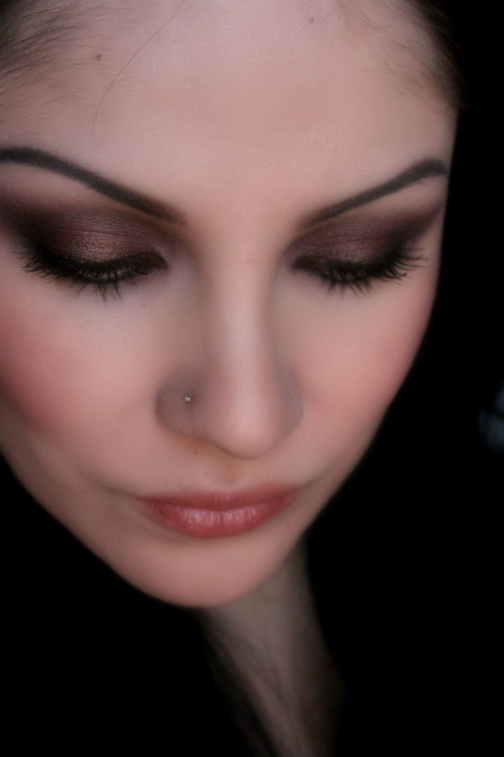 Smokey Eye Makeup: Make-up Artist Me!: Romantic Smokey Eye- Valentine's Day