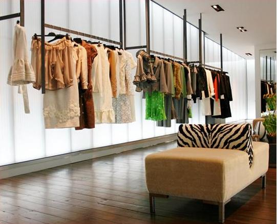 Mititique Boutique: Interior Design Ideas For A Luxury Boutique ...
