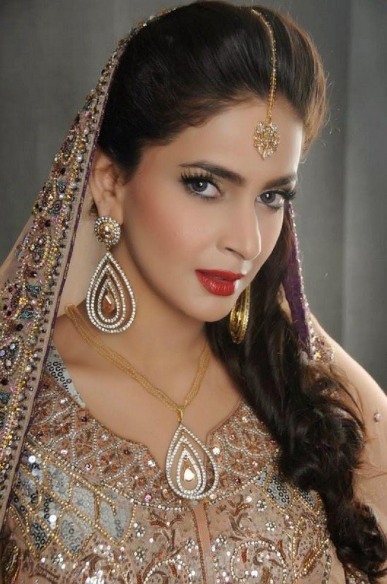 ShowBiz Pakistani Studio Wallpapers: Saba Qamar HD Free ...