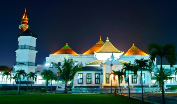 Masjid Agung Sultan Mahmud Badaruddin kota Palembang Provinsi Sumatra Selatan