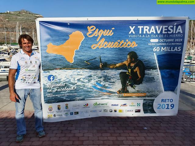 El tijarafero Ricardo García, preparado para dar la vuelta a la isla de El Hierro haciendo esquí náutico sin paradas