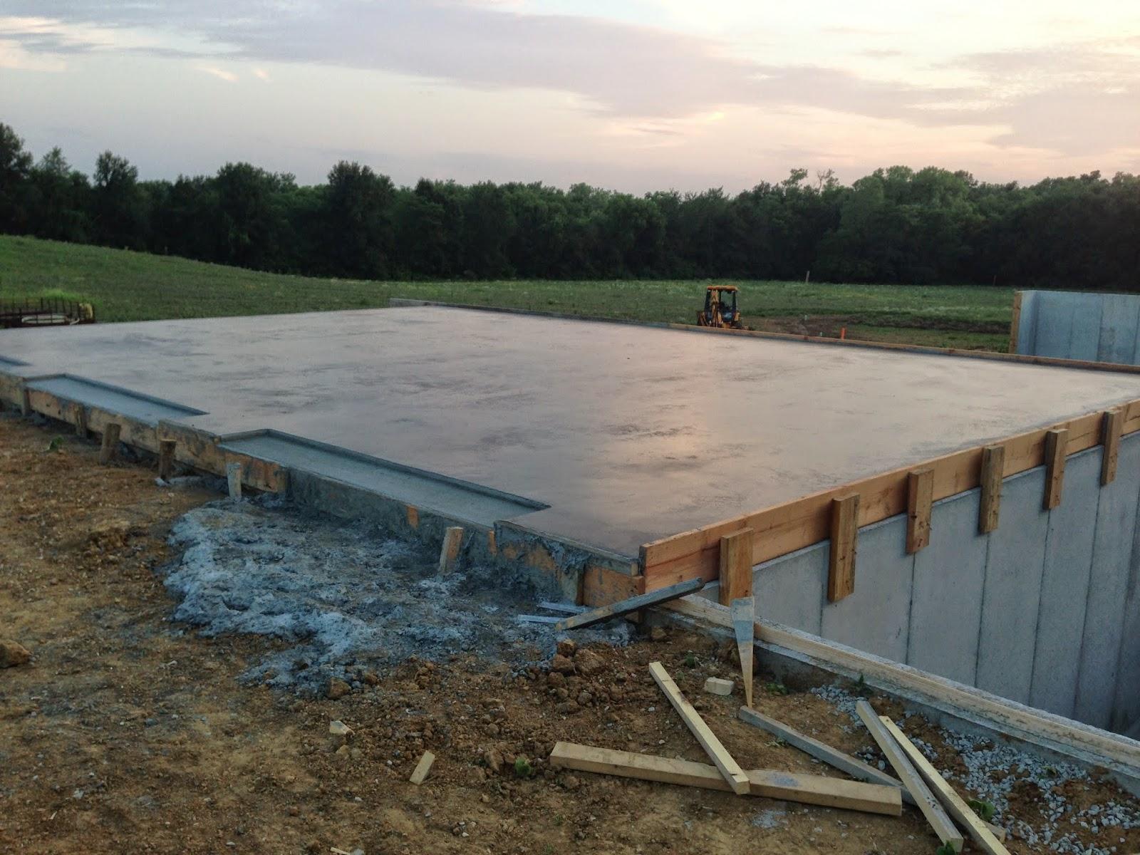 Building Beyeler Hollow Day 110 Garage Floor. Garage Concrete Slab ...