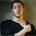 Video: Nick Jonas - 'Bacon'
