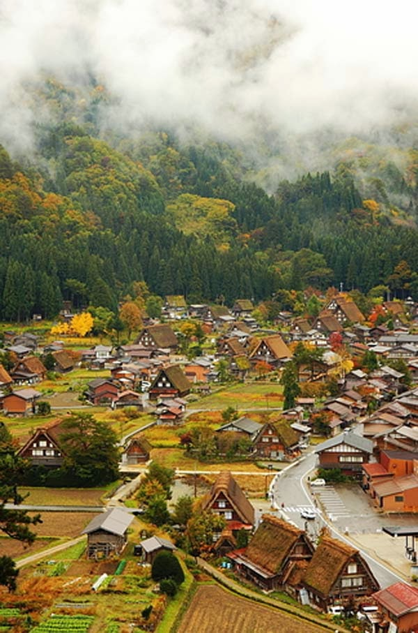 16.) Shirakawa, Japan - Welcome To The 19 Most Charming Places On Earth. They're Too Perfect To Be Real.