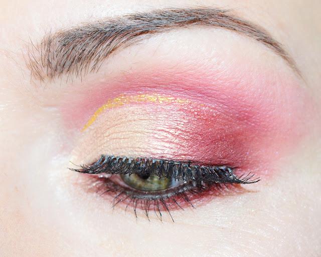 Makeup Revolution I ♥ Makeup Chocolate Rose Gold это аналог палетки Huda Beauty Rose Gold Palette