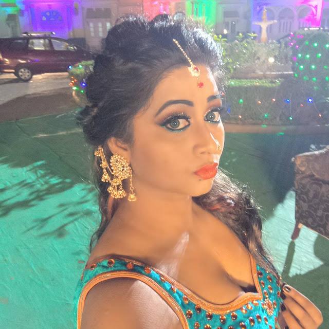 Glory Mohanta (Bhojpuri Item Dancer) Height, Weight, Age, Biography