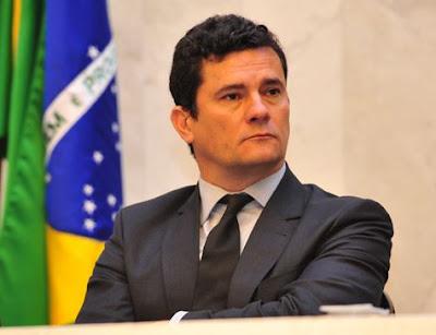 Ex-gerente da Petrobras é condenado a 15 anos de prisão