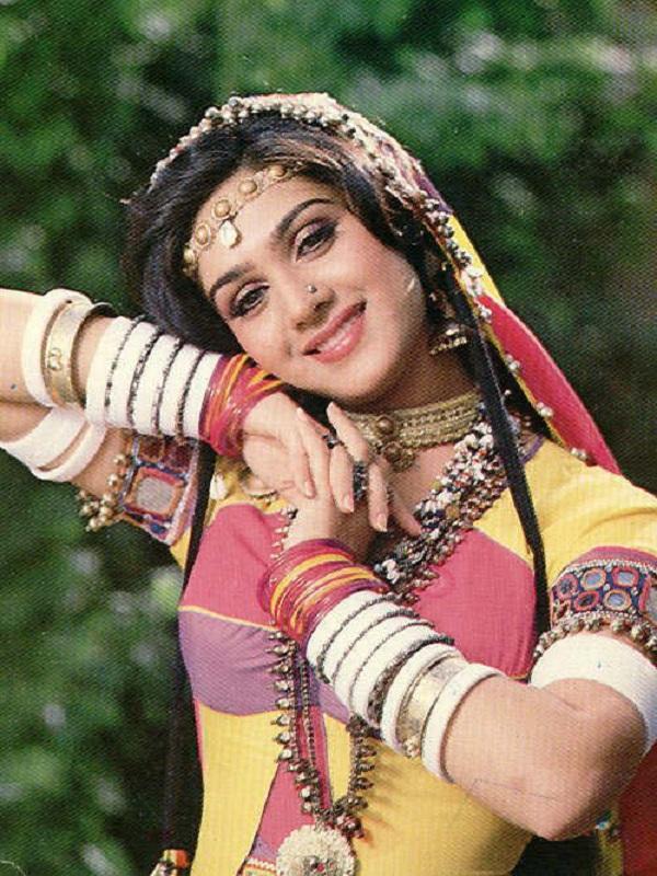Fully Nude Photo Of Meenakshi Sheshadri 88