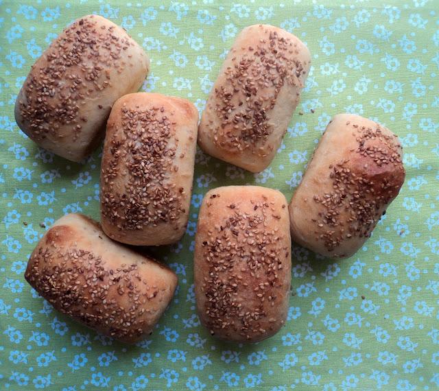 receta casera panecillos desayuno merienda sésamo