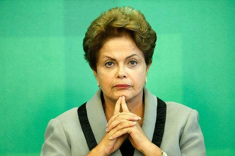 TCU prorroga pela segunda vez prazo para Dilma explicar contas