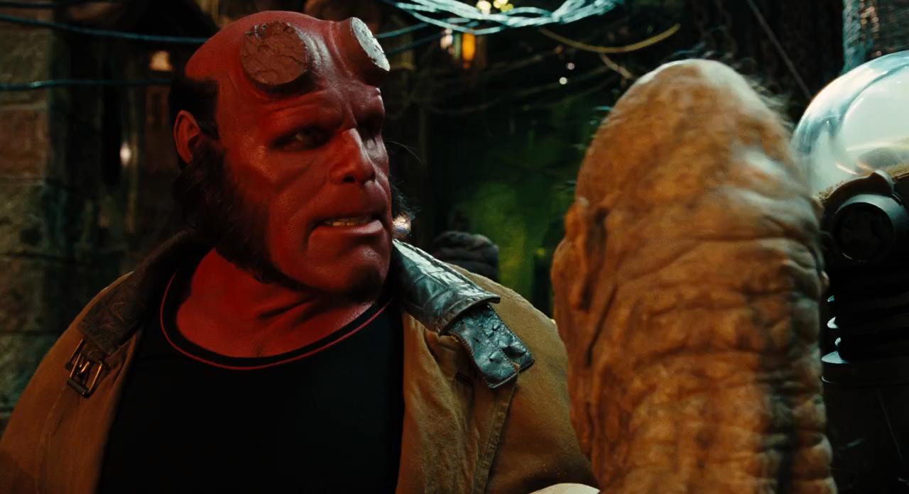Hellboy 2: El Ejército Dorado (2008) BRRip 720p Latino – Ingles captura 2
