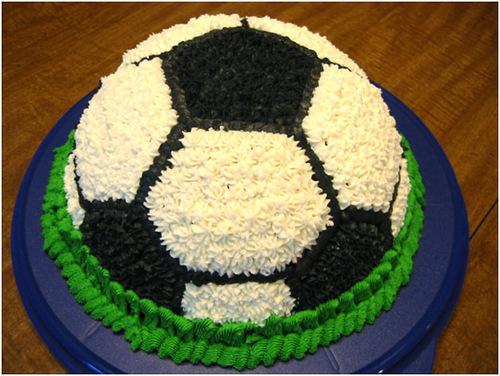 """Торты """"Футбольный мяч"""". Рецепты, мастер-классы и идеи оформления http://prazdnichnymir.ru"""